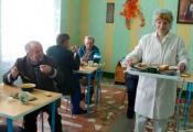 Бачэйкаўская бальніца сястрынскага догляду замяняе старым сям'ю. Фатаграфия з сайта http://gztzara.by