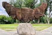 Памятны знак «Полацк – калыска Беларускай дзяржаўнасці», г. Полацк. Фотаздымак з сайта https://poshyk.info