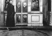 Рагвалодаўскі камень у храме. Фотаздымак  з сайта http://www.natal.by