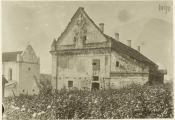 Апсіда касцёла святога Антонія і кляштарны будынак. Фотаздымак з сайта https://be.wikipedia.org/