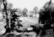 Мост паміж ускраінай парку і сядзібай у Межава
